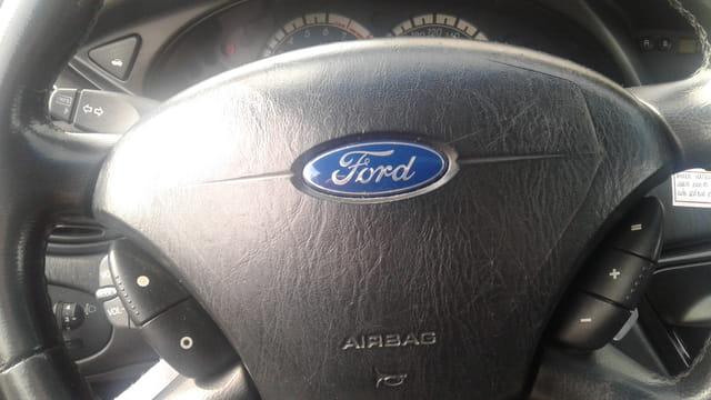 ford focus ghia 2.0 lfc