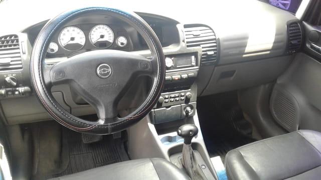 chevrolet zafira elegance 2.0 aut.