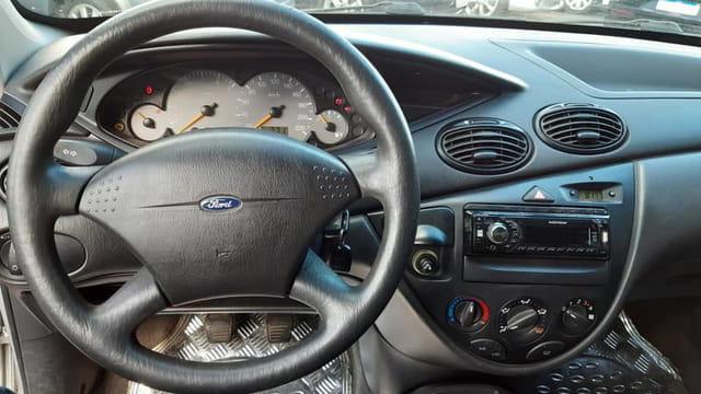 ford focus hatch l 1.6 8v 4p